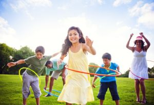 parents-and-children-take-off-games-hula-hoop
